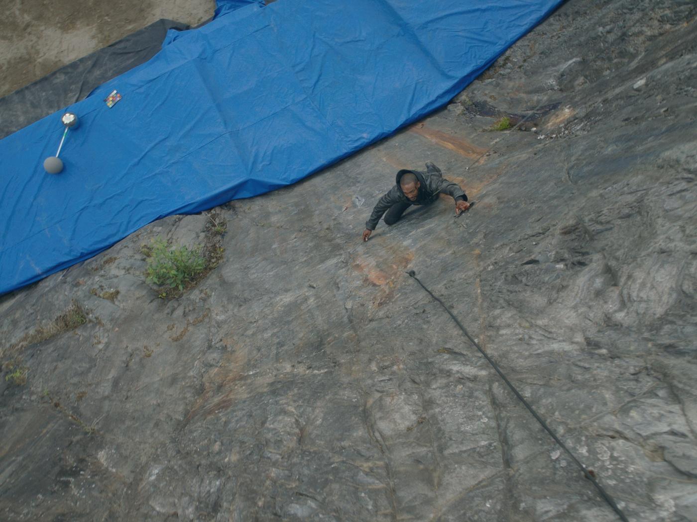 rock climbing cgi effects blue screen