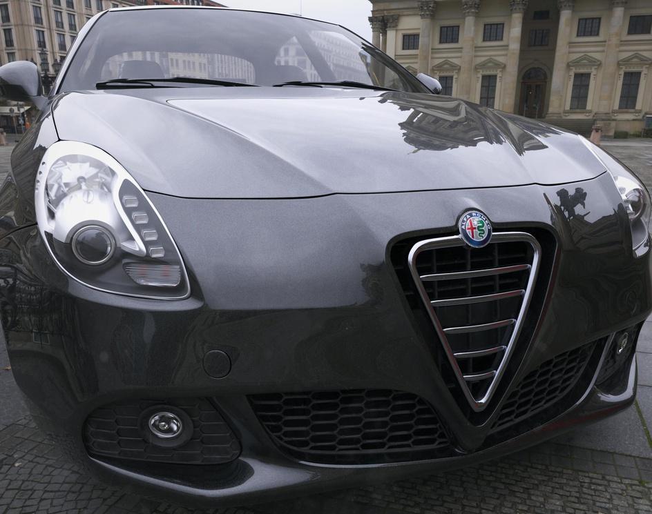 Alfa Romeo Giuliettaby Farzad Ejraei