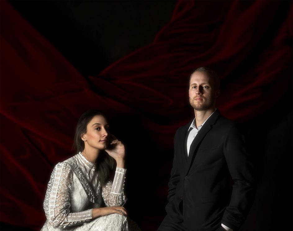 Twins, Stephanie and Mike Blomkampby ianspriggs